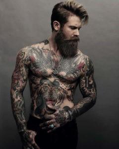 modello tatuato josh mario john